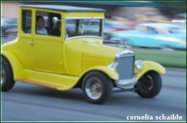 Fahrendes Auto1
